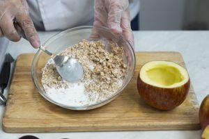 Хлопья пшеницы замочите в кокосовом молоке на 5 минут. Затем к хлопьям добавьте порубленные орехи, сухофрукты или свежие ягоды, мед или сахар.