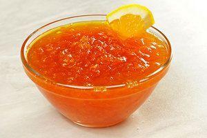 Можно  добавить в джем апельсиновые цукаты
