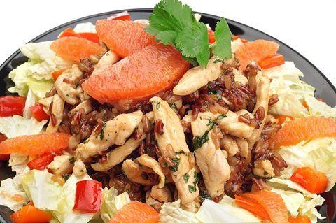Китайский салат с курицей и рисом