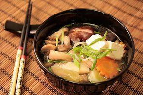 Тай набэ - японский суп с окунем