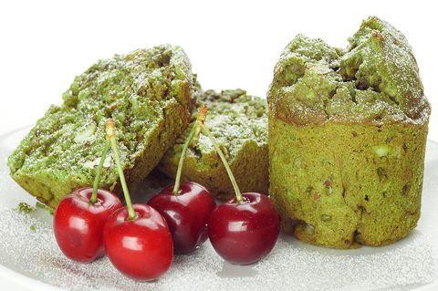 Зеленые кексы с гранолой