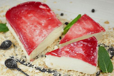 Йогуртовый мусс с малиновым желе