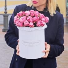Розы Леди Бомбастик в шляпной коробке XL ~9шт