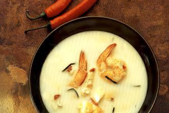 Кокосовый суп с королевскими креветками