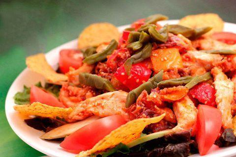 Мексиканский теплый салат с кактусом