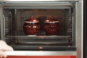 Поставить в разогретую до 200С духовку на 25-30 минут.