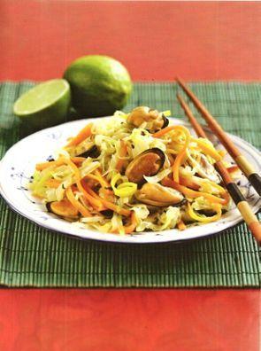 Теплый салат с мидиями