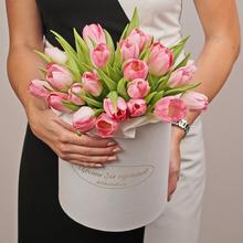 Тюльпаны розовые в шляпной коробке ХL ~25шт