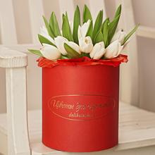 Тюльпаны белые в шляпной коробке L ~21шт