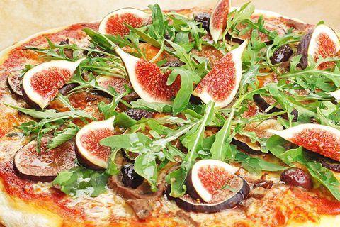 Пицца с инжиром