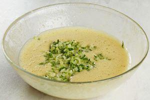 Так же к соусу можно добавить мелко нарезанный свежий огурец