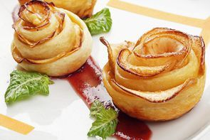 Сладкие яблочные розы