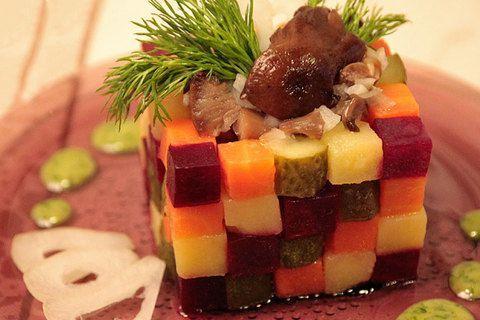 """Винегрет """"Кубик"""" с маринованными грибами"""