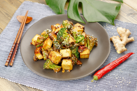 Тофу с брокколи в азиатском стиле
