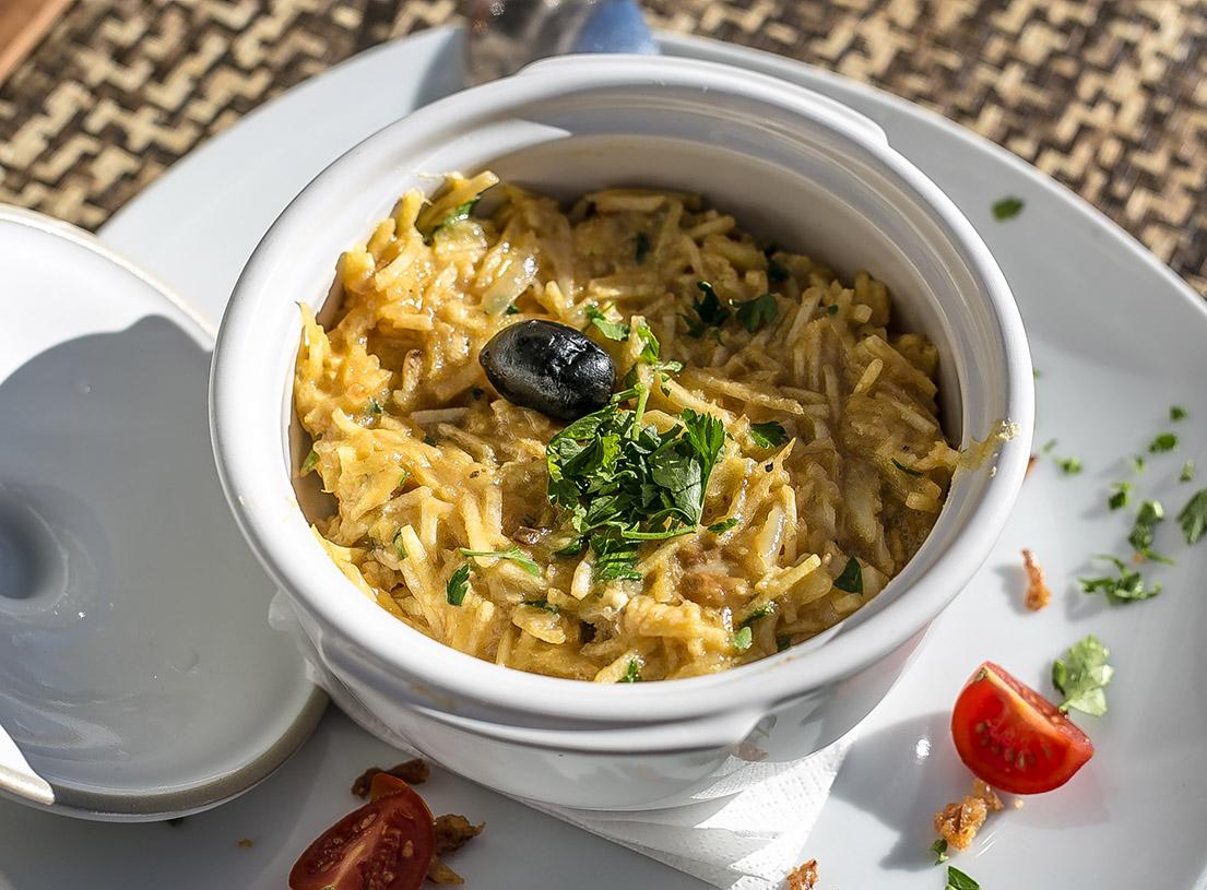 Бакальяу - традиционное португальское блюдо из сушеной трески